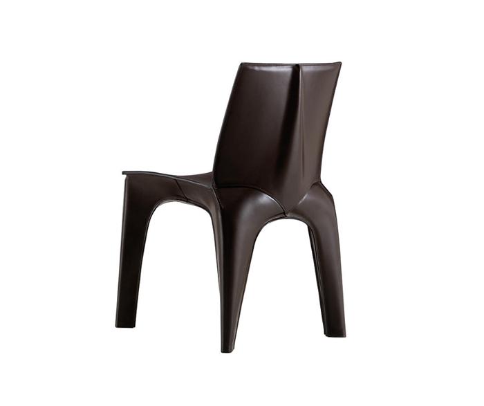 Sedia realizzata in poliuretano espanso e rivestita in cuoio. Personalizza il colore ed ordina direttamente online su Dopa Interiors.